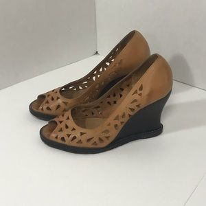 Report brand Wedge sandals
